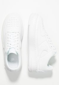 Nike Sportswear - AF1 JESTER - Trainers - white/black - 1