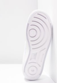 Nike Sportswear - AF1 JESTER - Trainers - white/black - 4