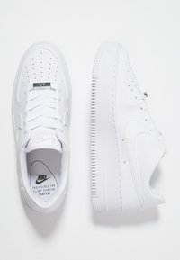 Nike Sportswear - AIR FORCE 1 SAGE - Trainers - white - 3