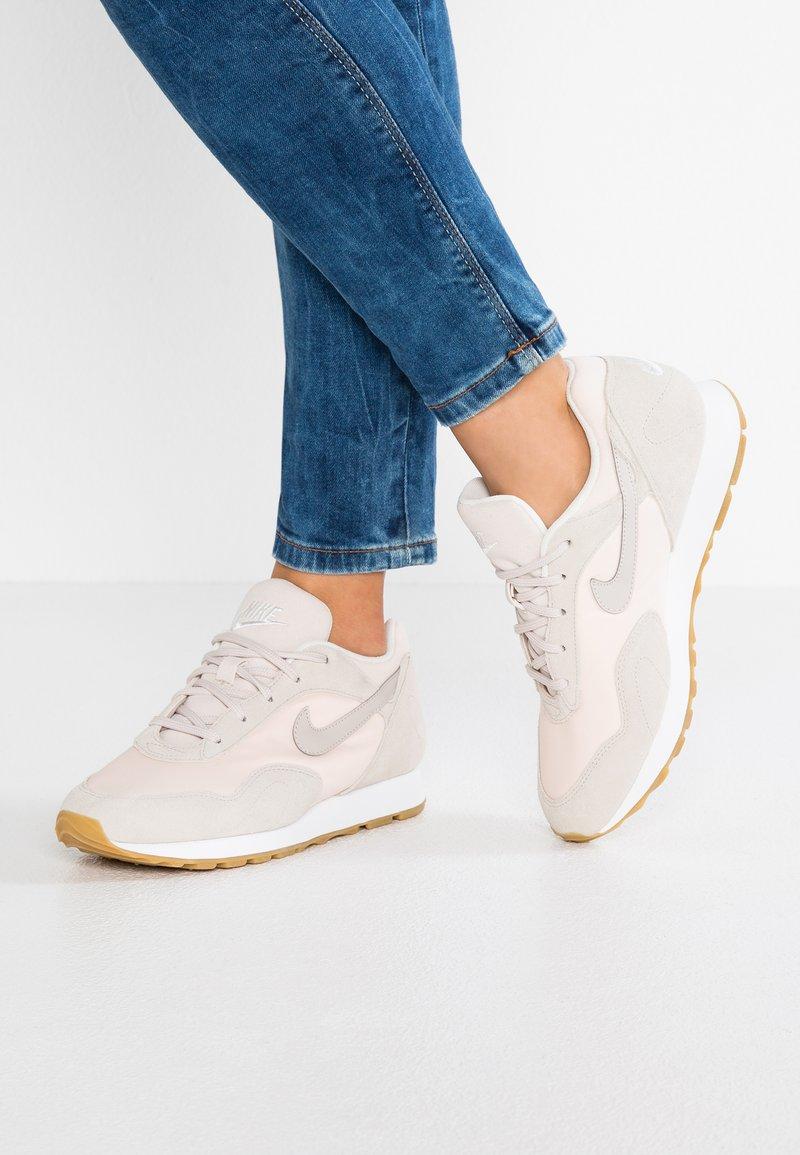 Nike Sportswear - OUTBURST - Trainers - orange quartz/desert sand/summit white/light brown