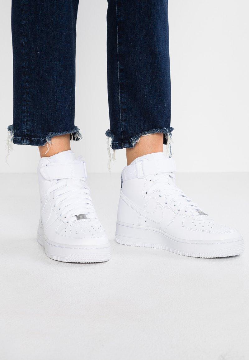Nike Sportswear - AIR FORCE 1 - Höga sneakers - white