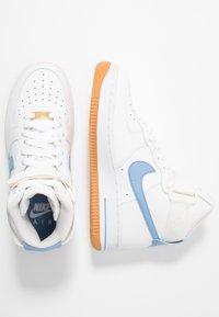 Nike Sportswear - Matalavartiset tennarit - summit white/light blue/white/med brown - 3