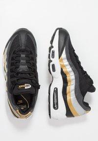 Nike Sportswear - NIKE AIR MAX 95 - Sneakers - black/metallic gold - 3
