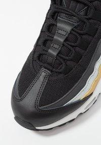 Nike Sportswear - NIKE AIR MAX 95 - Sneakers - black/metallic gold - 2