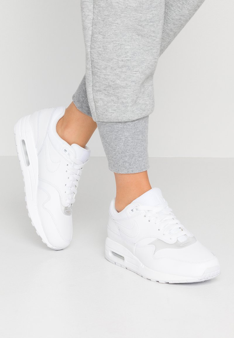Nike Sportswear - AIR MAX 1 - Sneaker low - white