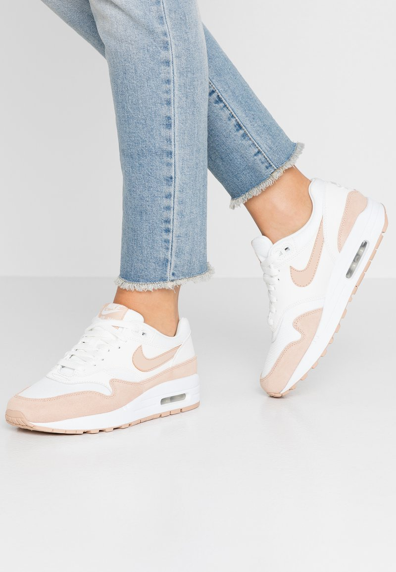 Nike Sportswear - AIR MAX 1 - Sneaker low - summit white/bio beige