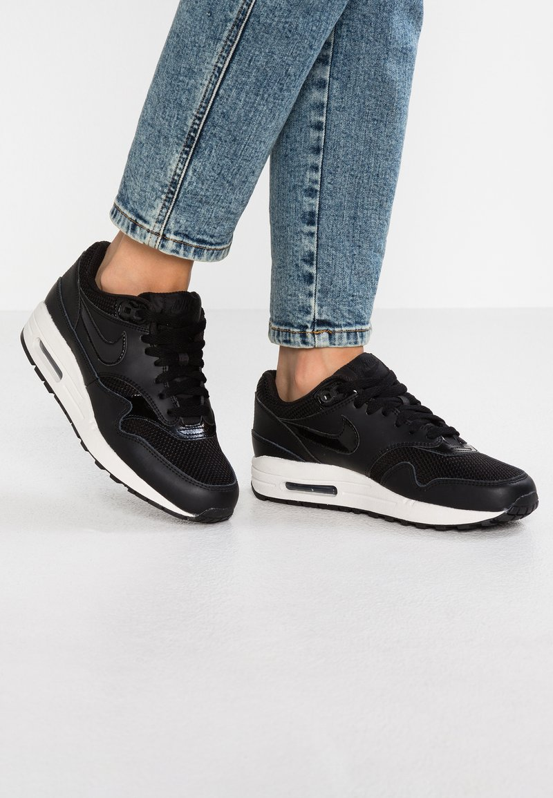Nike Sportswear - AIR MAX 1 - Sneakers laag - black/summit white