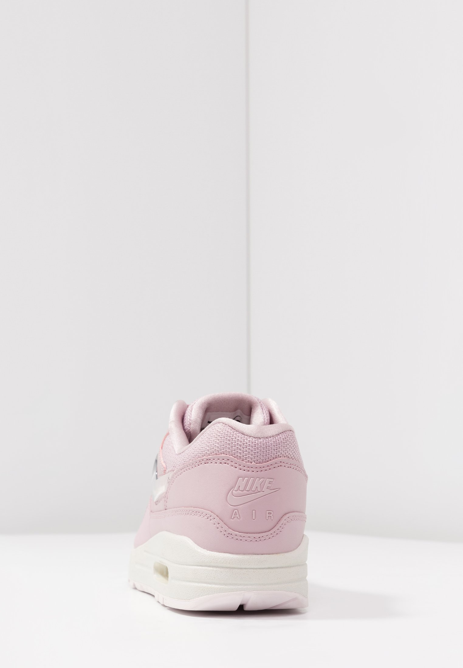Nike Sportswear AIR MAX 1 JP Matalavartiset tennarit