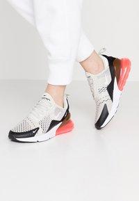 Nike Sportswear - AIR MAX 270 - Baskets basses - black/light bone/hot punch white - 0