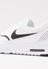 Nike Sportswear - AIR MAX THEA - Sneaker low - white/black - 2