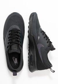 Nike Sportswear - AIR MAX THEA - Sneaker low - off noir/gridiron/black/summit white - 3