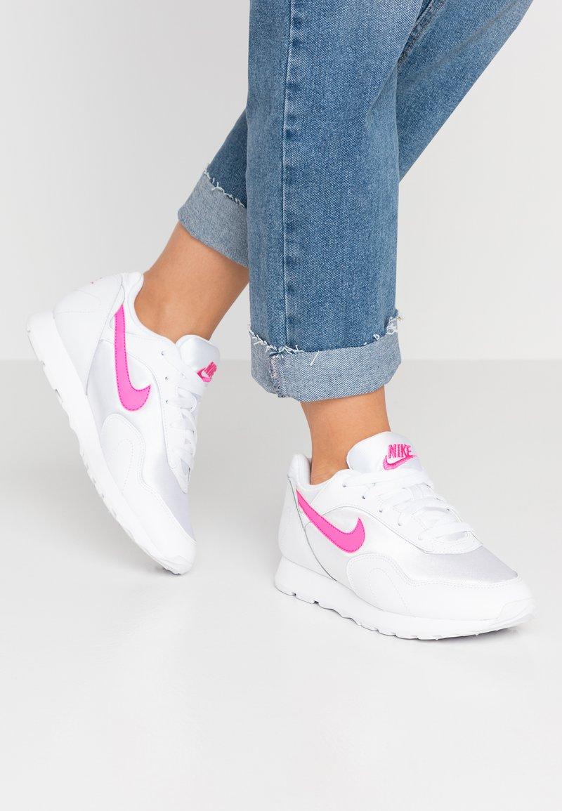 Nike Sportswear - OUTBURST - Sneaker low - white/laser fuchsia