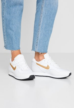 OUTBURST - Sneaker low - white/metallic gold/black