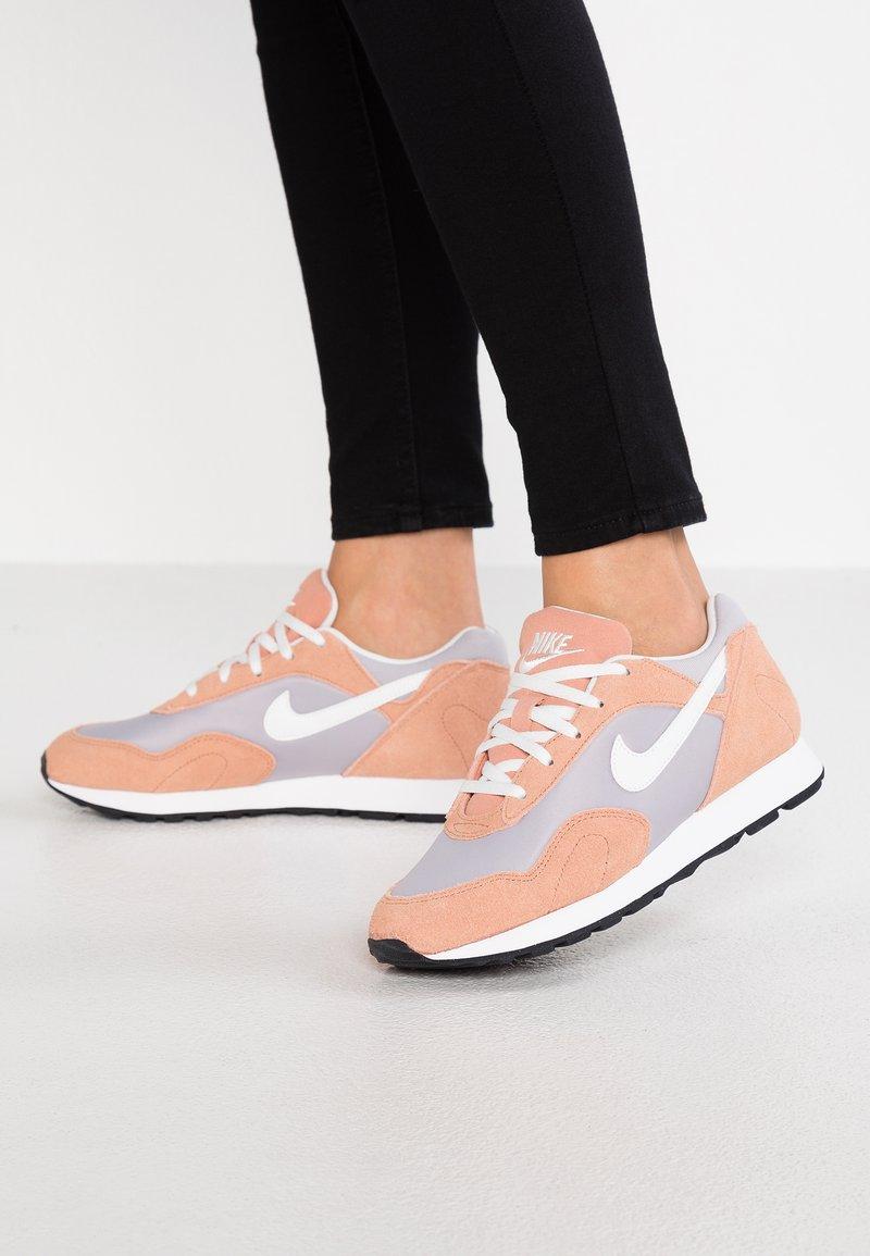 Nike Sportswear - OUTBURST - Trainers - atmosphere grey/summit white/rose gold/black