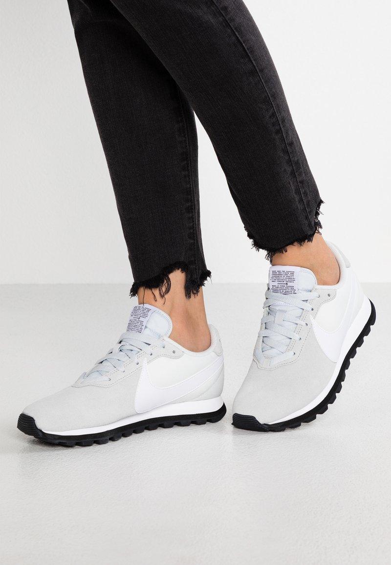 Nike Sportswear - PRE-LOVE O.X. - Trainers - pure platinum/white/platinum tint/black