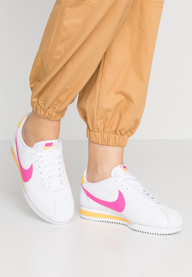 Nike Sportswear - CLASSIC CORTEZ - Trainers - white/laser fuchsia/laser orange
