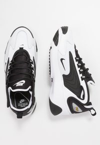 Nike Sportswear - ZOOM 2K - Joggesko - white/black - 1