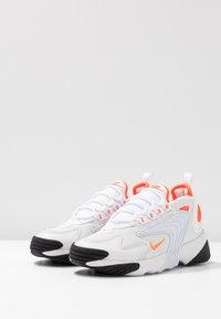 Nike Sportswear - ZOOM 2K - Trainers - platinum tint/hyper crimson/white/black - 6
