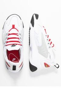 Nike Sportswear - ZOOM 2K - Sneaker low - white/pure platinum/gym red/black - 3