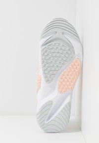 Nike Sportswear - ZOOM 2K - Trainers - white/aura/washed coral - 4