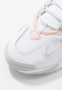 Nike Sportswear - ZOOM 2K - Trainers - white/aura/washed coral - 5
