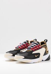 Nike Sportswear - ZOOM 2K - Sneakers basse - black/metallic gold/white/sail/gym red - 4