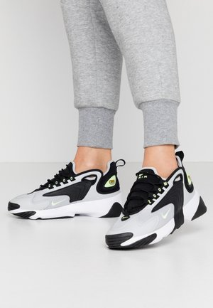 ZOOM 2K - Sneakersy niskie - black/barely volt/grey fog/white