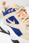 Nike Sportswear - M2K TEKNO - Baskets basses - desert ore/deep royal blue/fuel orange/hyper jade/black
