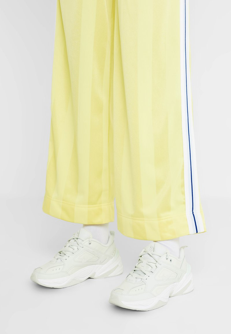 Nike Sportswear - M2K TEKNO - Sneakers - spruce aura/sail/summit white