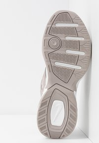 Nike Sportswear - M2K TEKNO - Sneakers - moon particle/summit white/white - 6