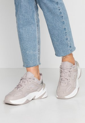 M2K TEKNO - Sneakers laag - moon particle/summit white/white
