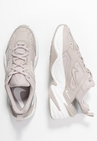 Nike Sportswear - M2K TEKNO - Sneakers - moon particle/summit white/white - 3