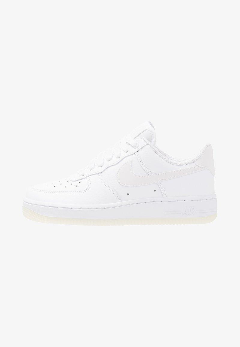 Nike Sportswear - AIR FORCE 1 '07 ESS - Sneaker low - white