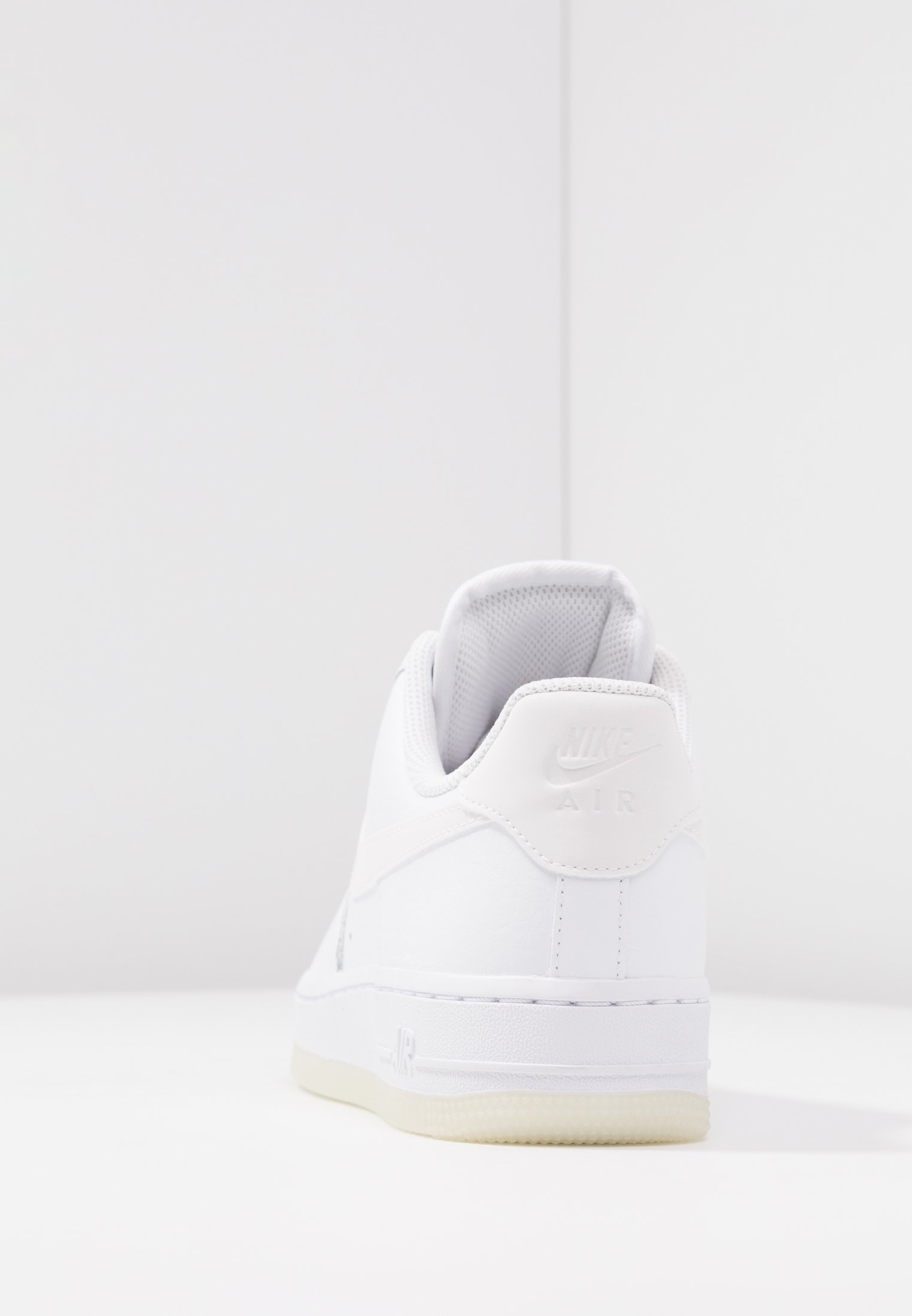 AIR FORCE 1 '07 Baskets basses white