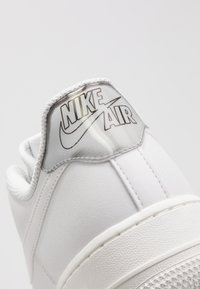 Nike Sportswear - AIR FORCE 1 '07 - Sneakers - platinum tint/summit white - 2