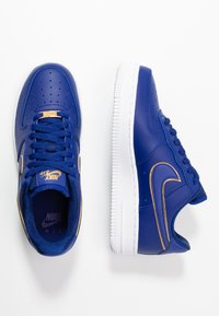 Nike Sportswear - AIR FORCE 1 '07 - Baskets basses - blue force/white/metallic gold - 5
