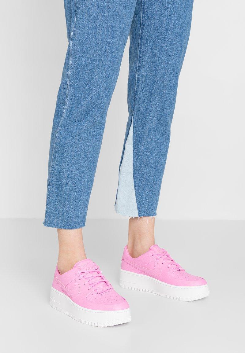 Nike Sportswear - AF1 SAGE - Sneaker low - psychic pink/white