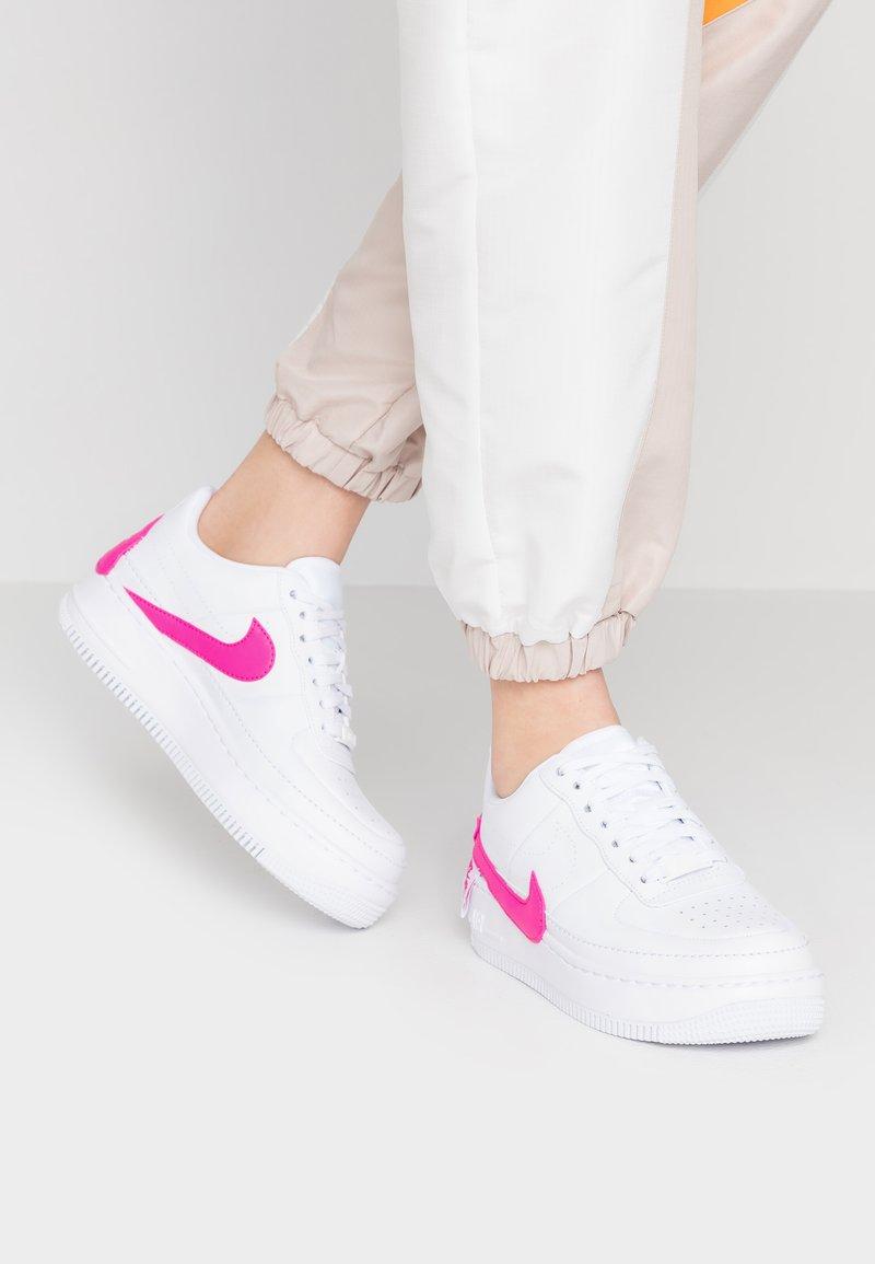 Nike Sportswear - AF1 JESTER XX - Trainers - white/laser fuchsia