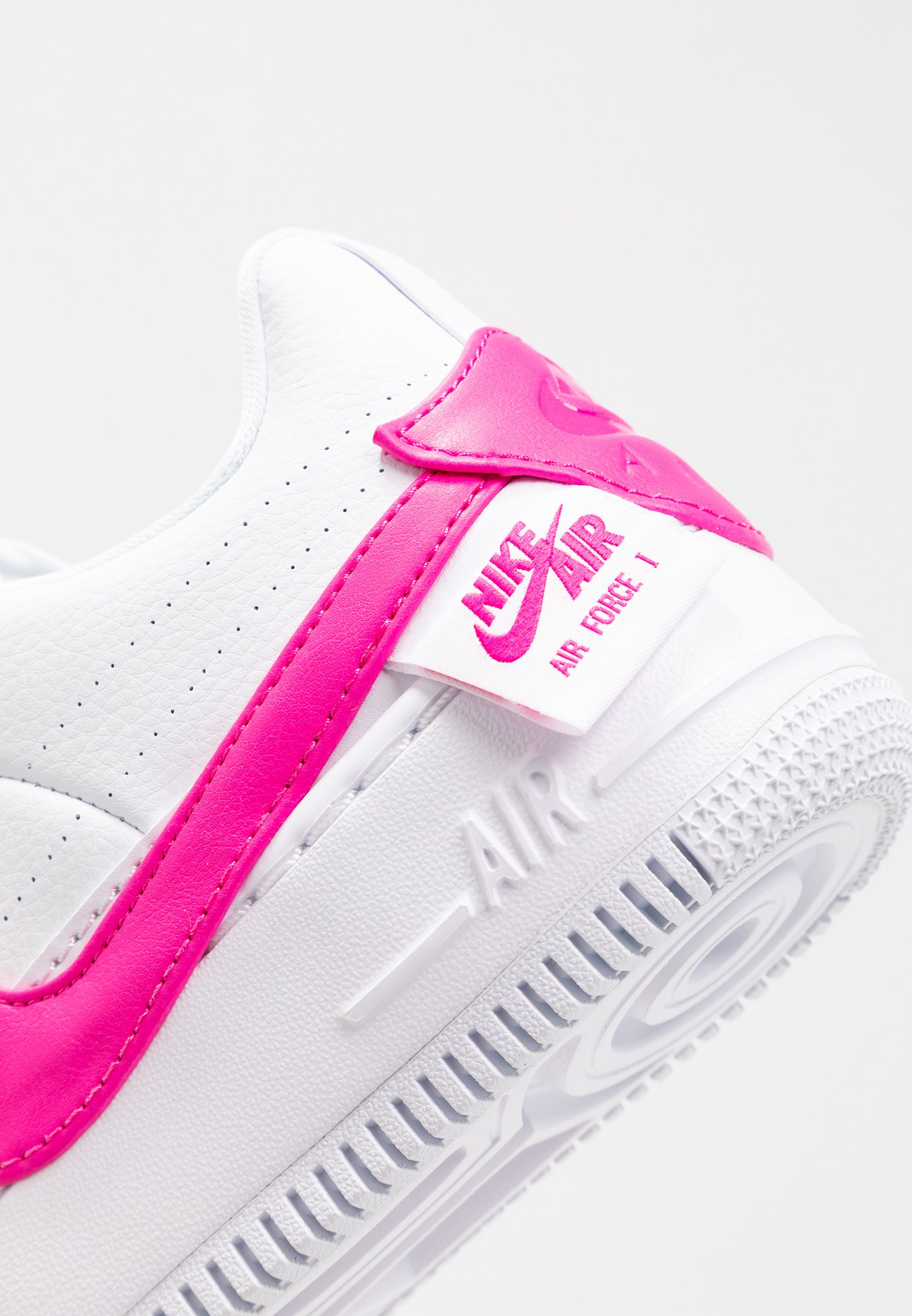 NIKE SNEAKERS AIR FORCE 1 JESTER XX Donna White lazer fuxia