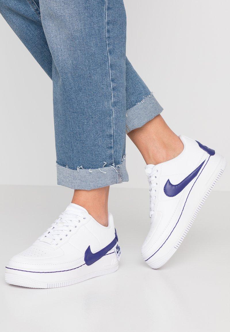 Nike Sportswear - AF1 JESTER XX - Sneaker low - white/regency purple