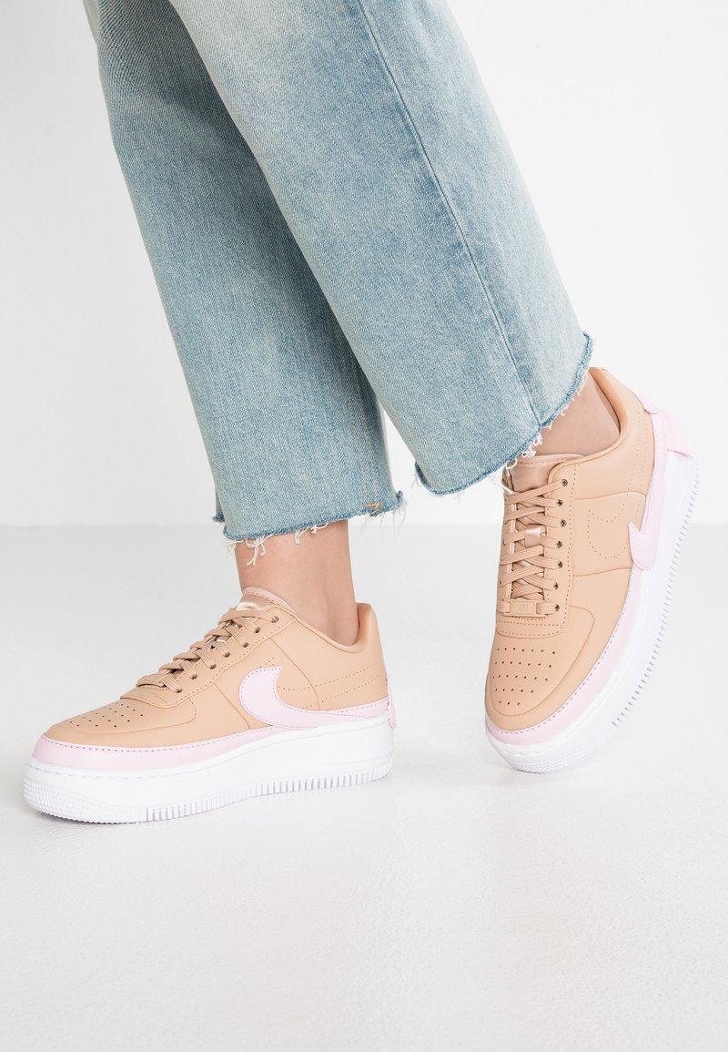 Nike Sportswear - AF1 JESTER XX - Sneaker low - beige/pink force/white