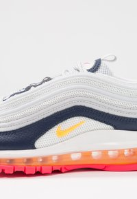 Nike Sportswear - AIR MAX 97 - Sneakers laag - pure platinum/laser orange/midnight navy/racer pink/summit white - 5