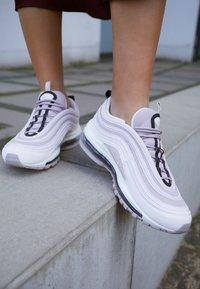 Nike Sportswear - AIR MAX 97 - Sneakers - pale pink/violet ash/black/summit white - 4