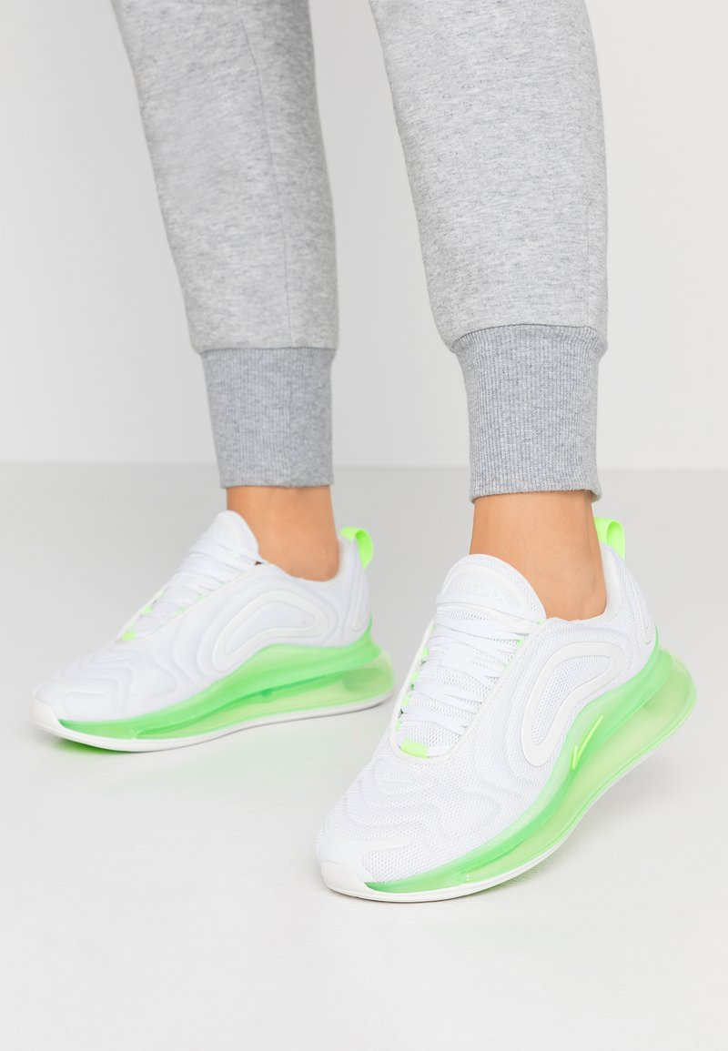 Nike Sportswear - AIR MAX 720 - Sneaker low - phantom/summit white/electric green