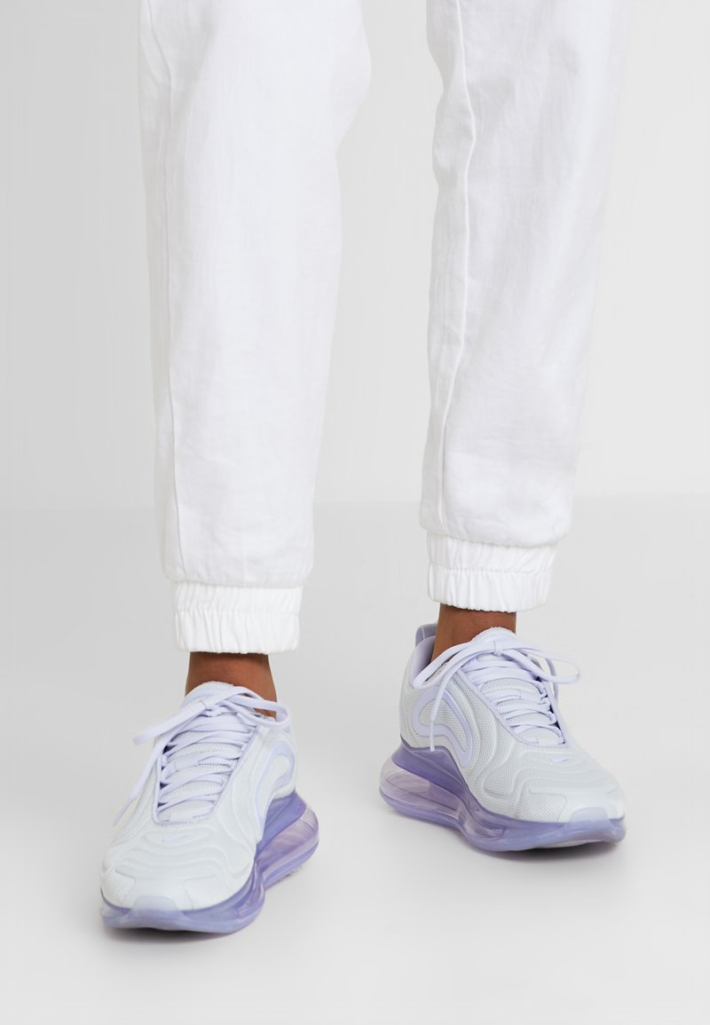 Nike Sportswear - AIR MAX 720 - Trainers - pure platinum/oxygen purple