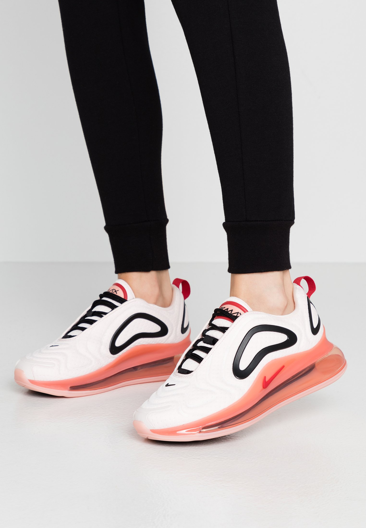 AIR MAX 720 Sneakers light soft pinkgym redcoral stardustblack