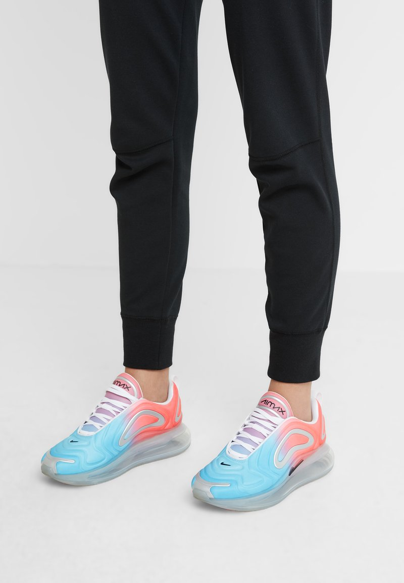 Nike Sportswear - AIR MAX 720 - Trainers - lava glow/black/blue fury