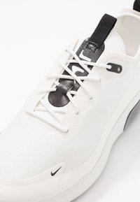 Nike Sportswear - AIR MAX DIA - Tenisky - summit white/black - 2
