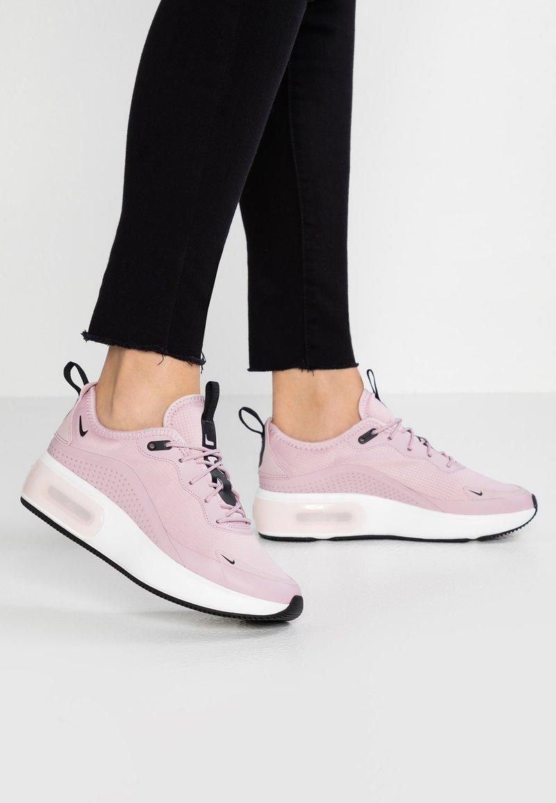 Nike Sportswear - AIR MAX DIA - Sneaker low - plum chalk/black/summit white