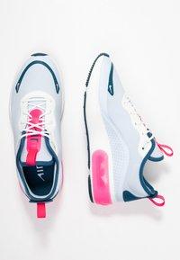 Nike Sportswear - AIR MAX DIA - Baskets basses - half blue/summit white/blue force/hyper pink - 5